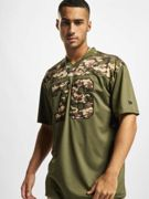 New Era Männer T-Shirt NFL Tampa Bay Buccaneers Ca Infill Oversized Mesh in olive M olive
